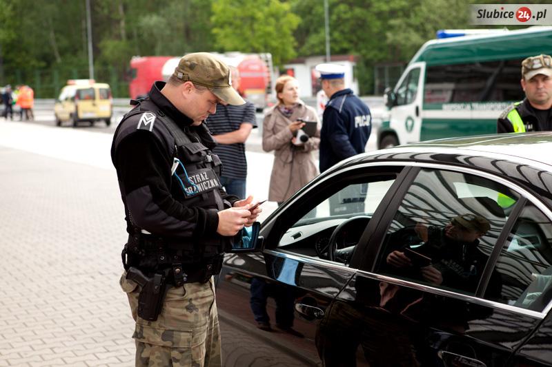 Польша вводит временный контроль на границах с ЕС